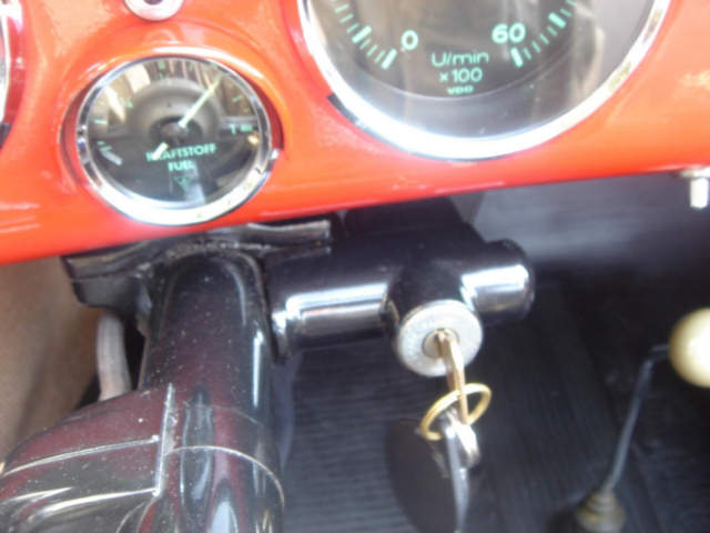 above are two steering wheel locks lused on vw's  note vw on the key!