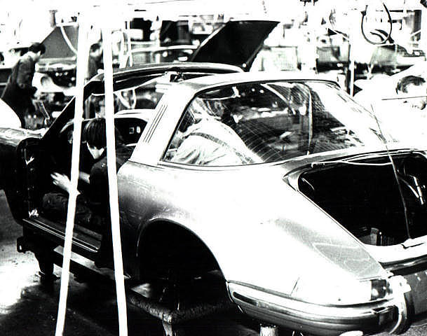 Birth of a 911 porsche for Autobahn body and paint